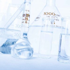 Probetas y otros recipientes de vidrio de laboratorio