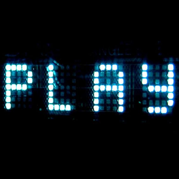 """Palabra """"play"""" con luces led"""